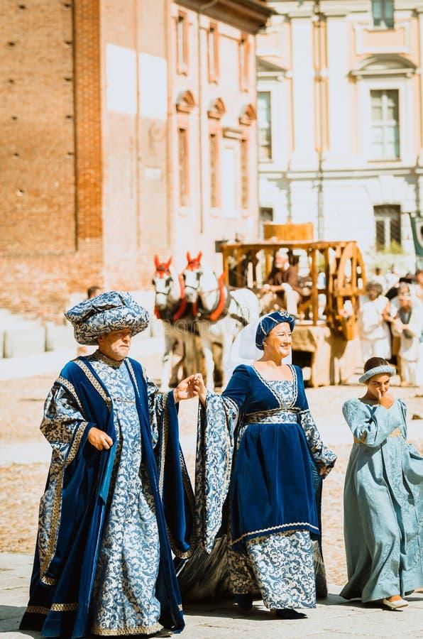 Familia de nobles de las Edades Medias imagenes de archivo