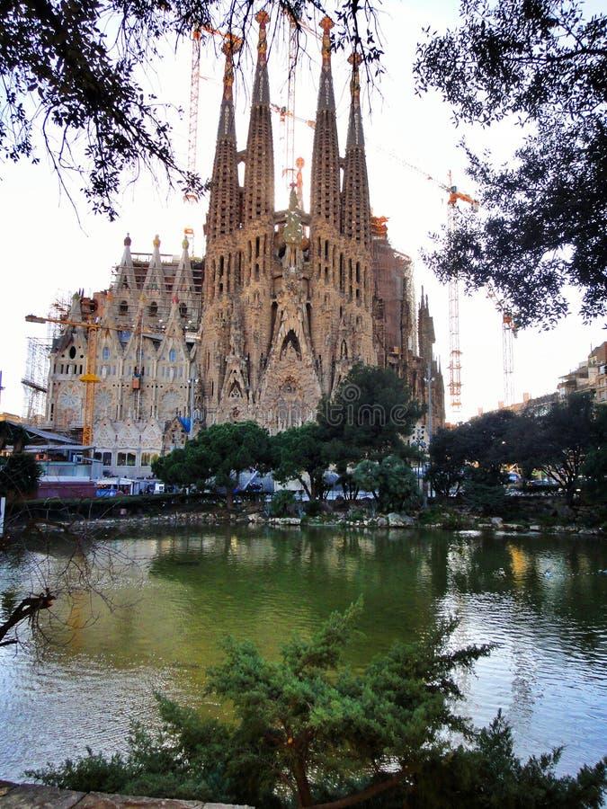 Download Familia De Sagrada à Barcelone Image stock - Image du familier, ville: 56487351