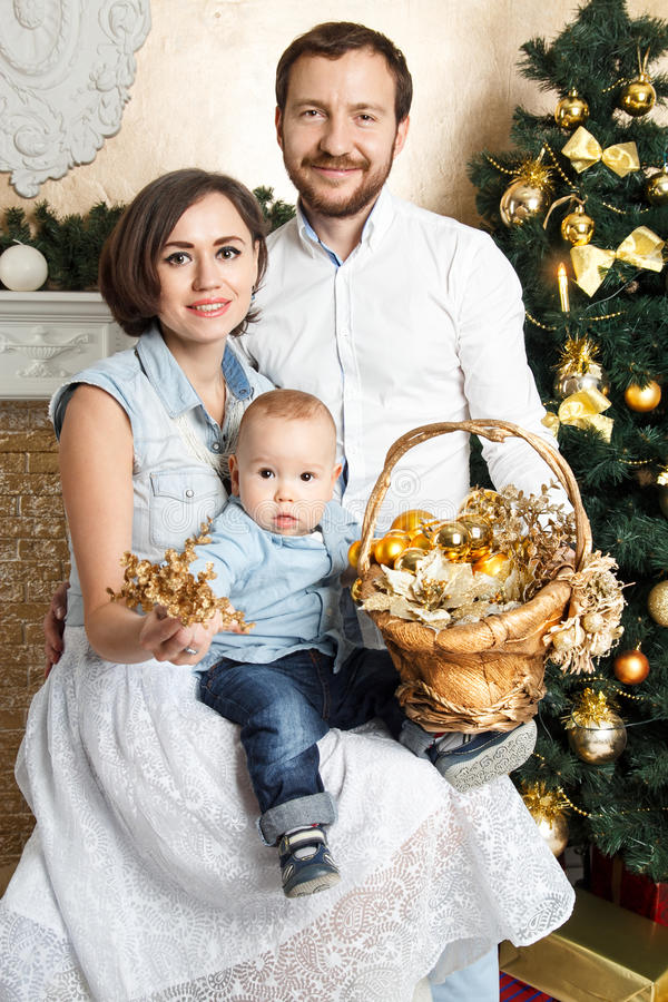 Familia del Año Nuevo imagen de archivo libre de regalías