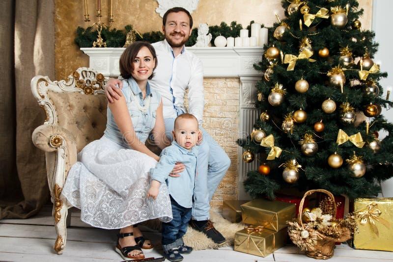 Familia del Año Nuevo foto de archivo libre de regalías