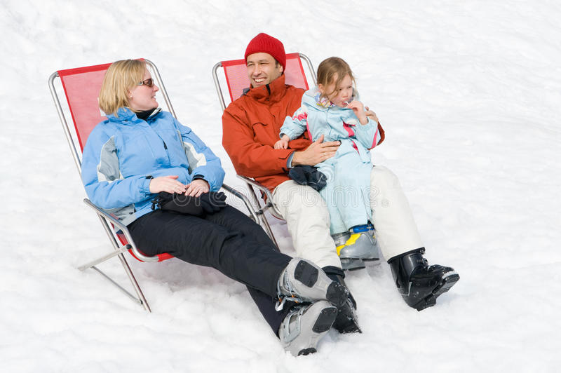 Familia en el invierno fotos de archivo