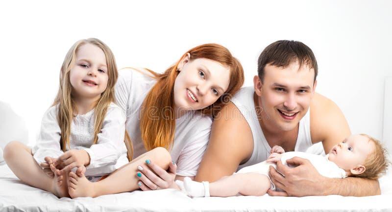 Familia en el país foto de archivo