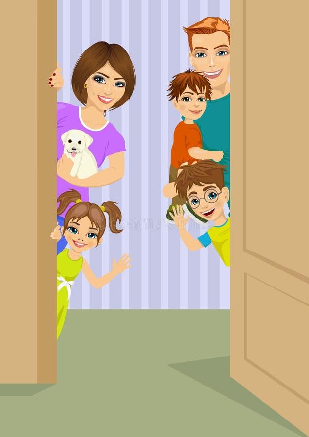 Familia feliz que mira a escondidas detrás de puerta stock de ilustración