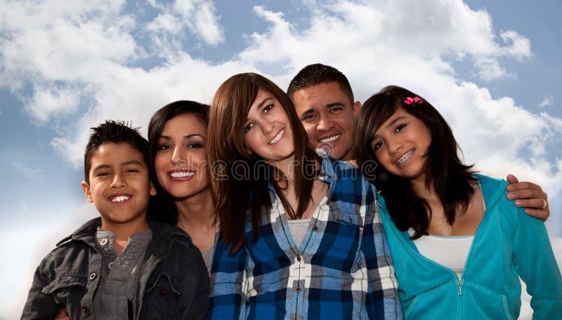 Familia hispánica imagen de archivo libre de regalías