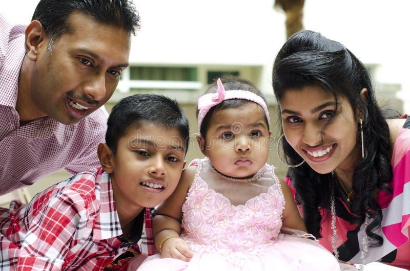 Familia india feliz fotos de archivo libres de regalías