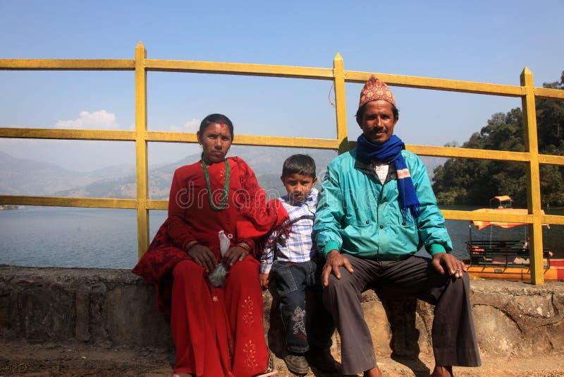 Familia nepalesa imagen de archivo