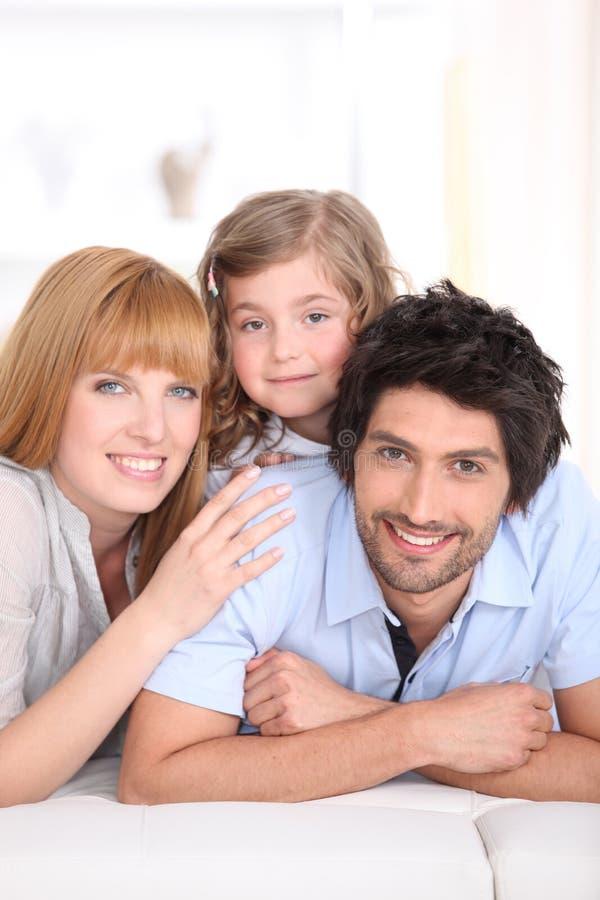Familia sonriente fotos de archivo