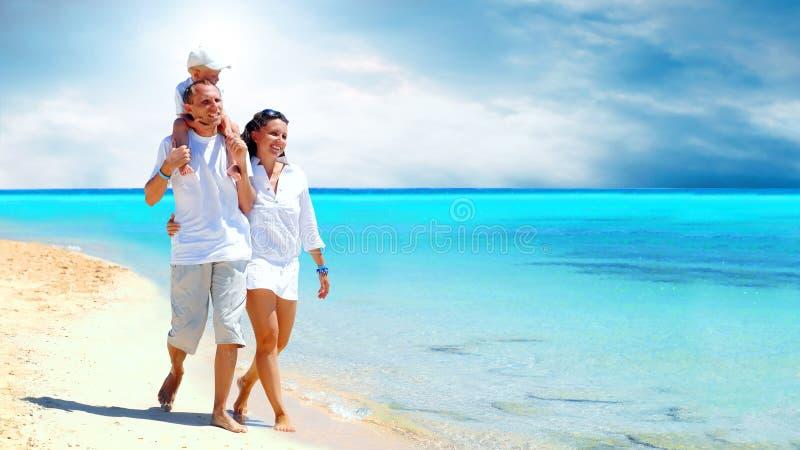 Familie auf dem Strand