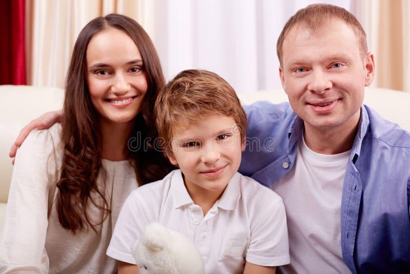 Familie bij vrije tijd royalty-vrije stock afbeeldingen