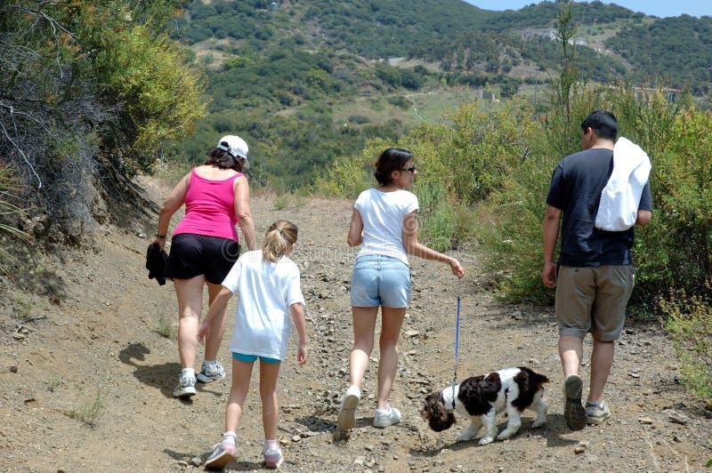 Familie, die 1 wandert stockbilder