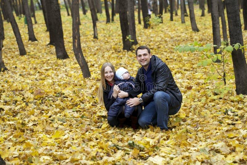 Familie en zijn babyjongen royalty-vrije stock foto's