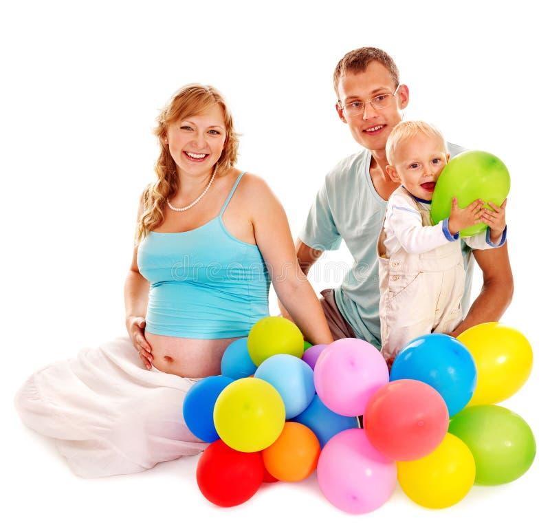 Familie mit schwangerer Frau und Kind. lizenzfreie stockfotos