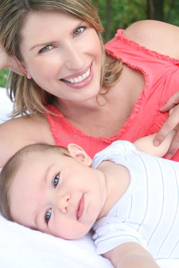 Familie: Moeder en Kind royalty-vrije stock afbeeldingen