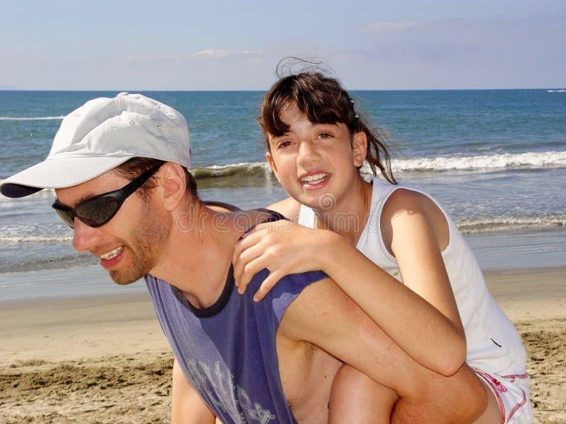 Download Familie op vakantie stock afbeelding. Afbeelding bestaande uit nave - 278981