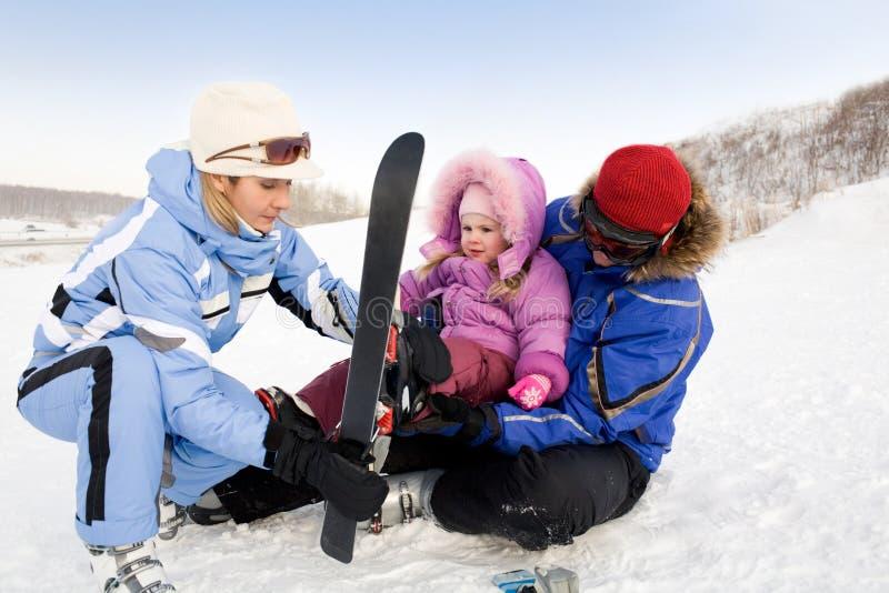 Familie van skiërs royalty-vrije stock fotografie