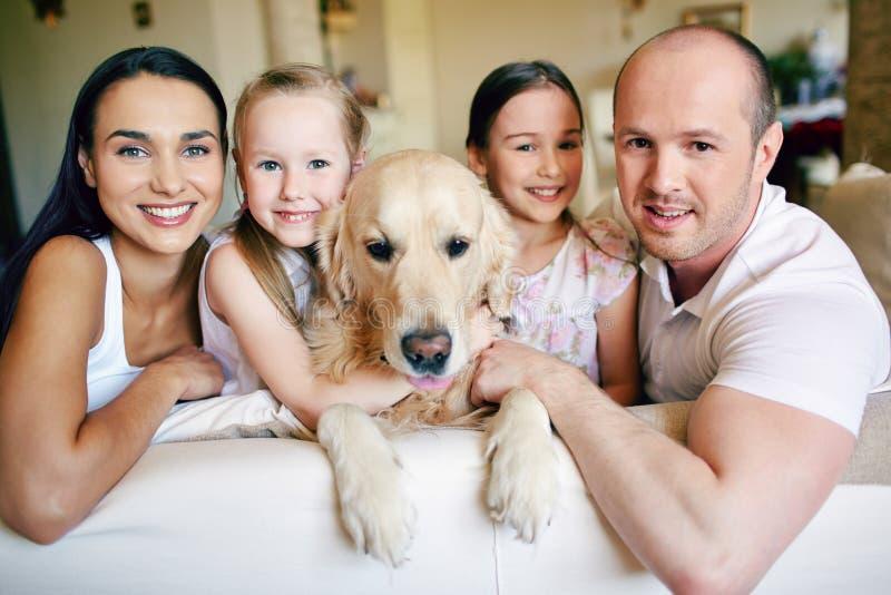Familie von fünf stockfoto