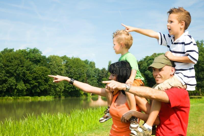 Familien-Exkursion stockfoto