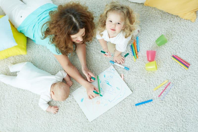 Familienkindertagesstätte stockfoto