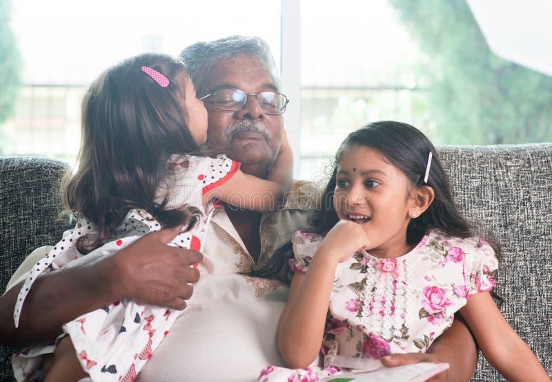 Familienliebe lizenzfreie stockfotos
