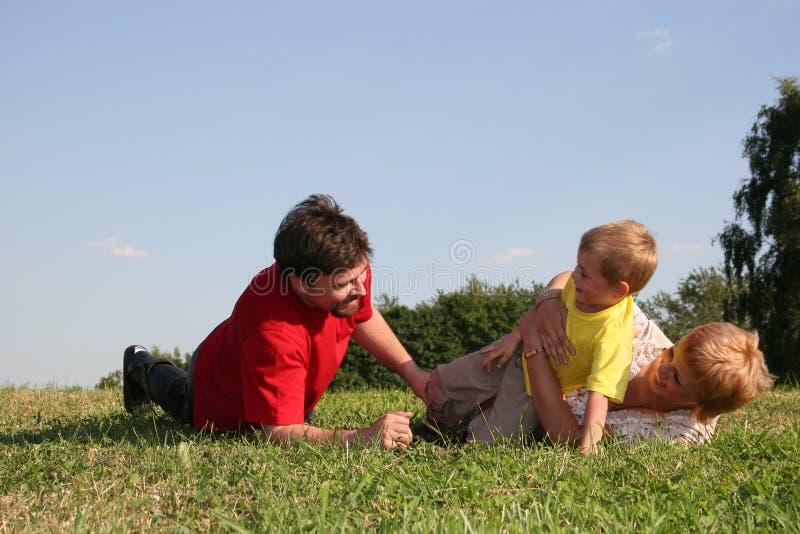 Familienspiel lizenzfreies stockfoto