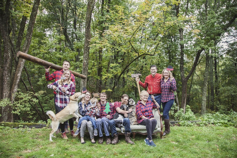Familientreffen-Parteiporträt mit vier Generationen stockfoto