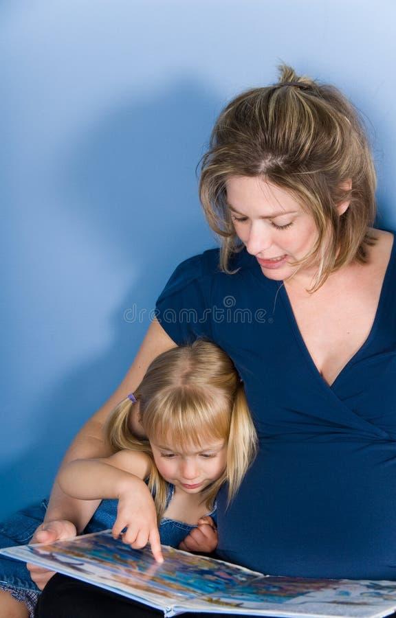 Familienzeit lizenzfreie stockbilder