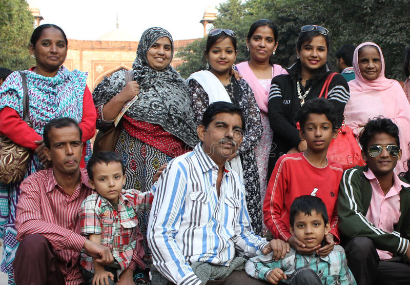 Familieportret van een Indische familie stock afbeelding