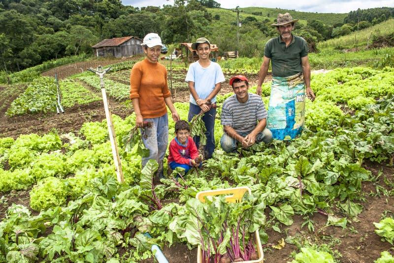 Familj av bönder royaltyfri foto