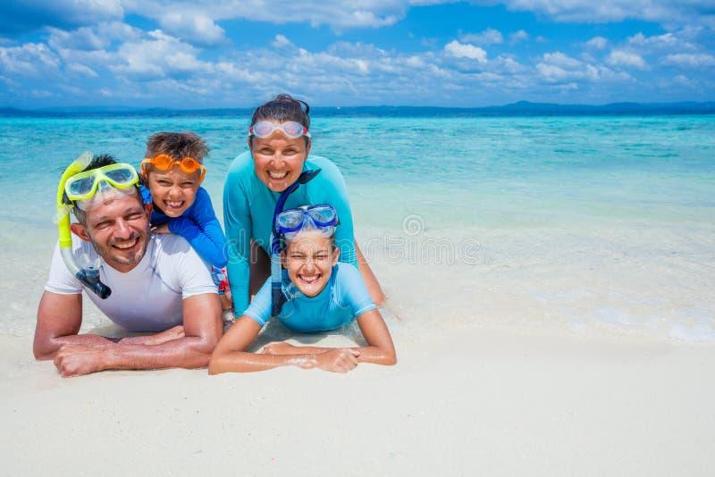 Familj av dykare arkivbild