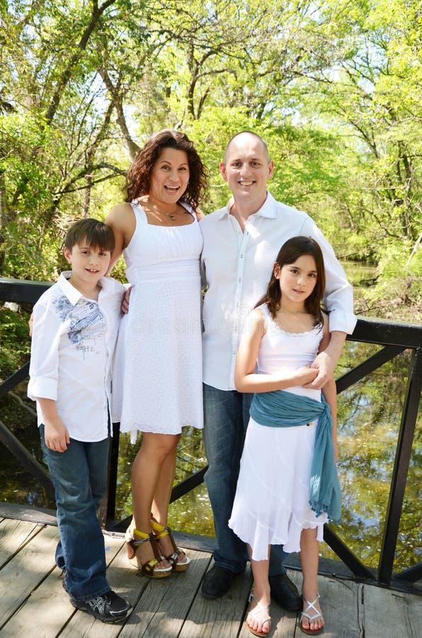Familj av fyra royaltyfri foto