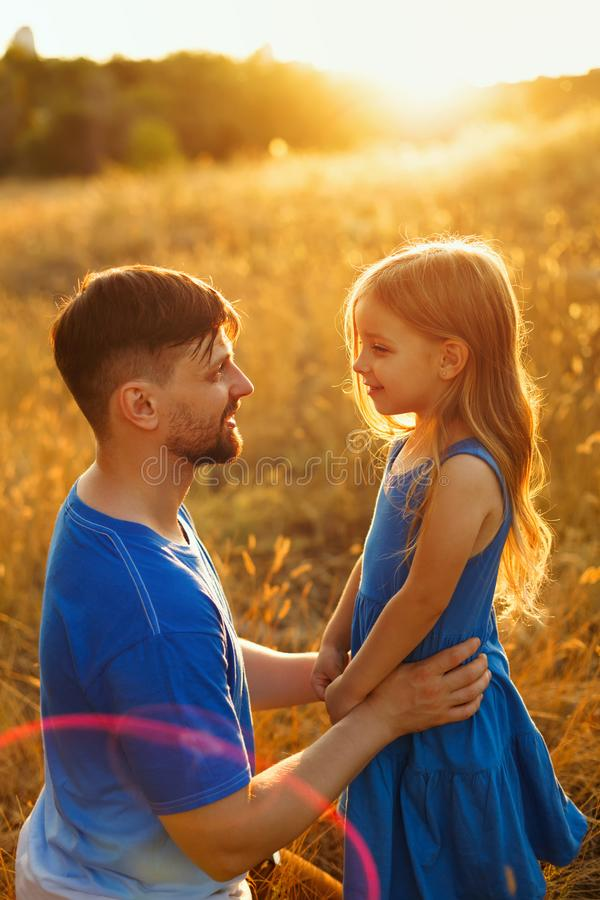 familj Fader och dotter fritid royaltyfria bilder