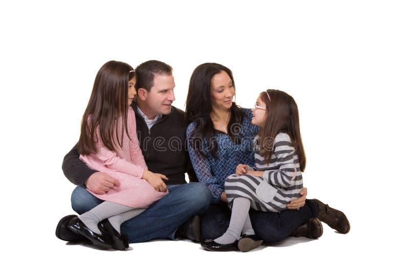 familj henne kyssande moderståendeson royaltyfri foto