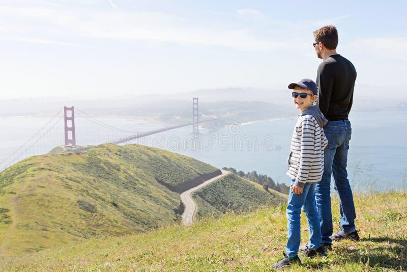Familj i San Francisco fotografering för bildbyråer