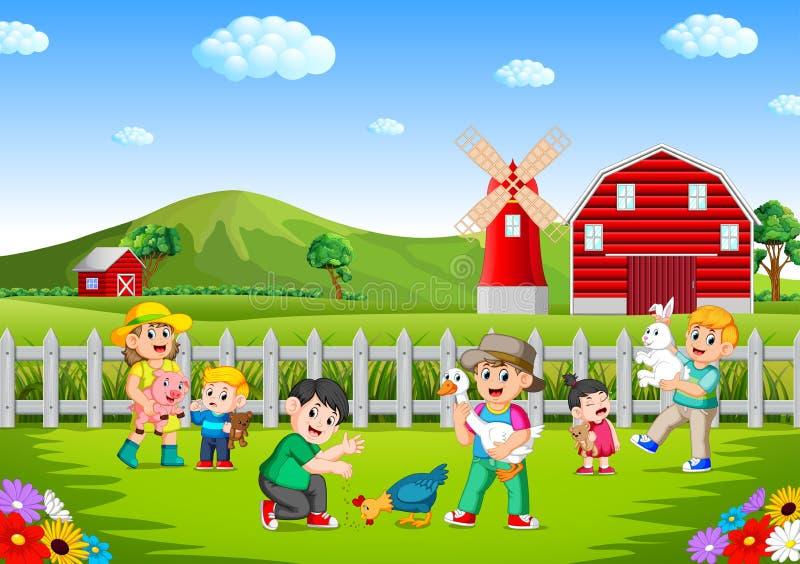Familj och ungar som spelar på lantgården som har gyckel stock illustrationer