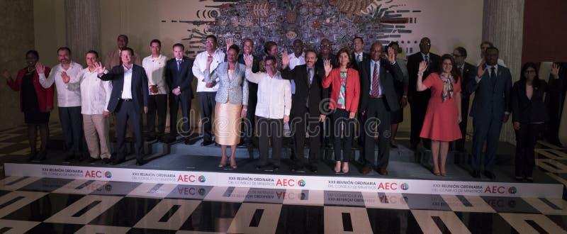 Familjfoto på slutet av det 22nd mötet av anslutningen av det ministeriella rådet för karibiska tillstånd royaltyfria bilder