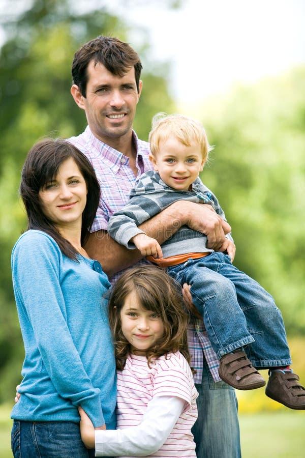 familjparkbarn royaltyfria foton
