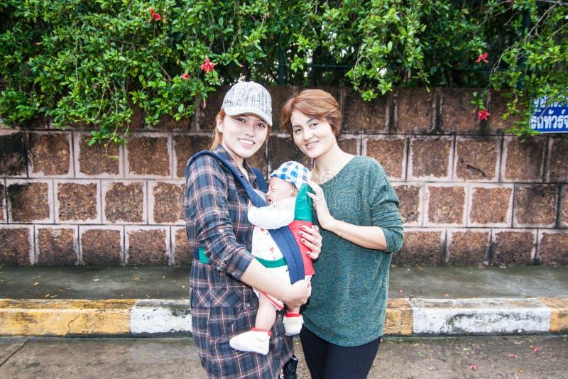 Familjresanden i Thailand royaltyfria foton