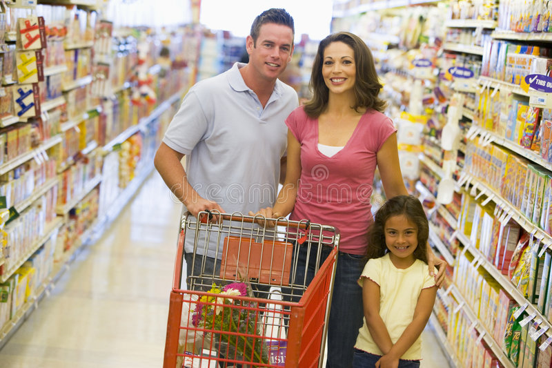 familjsupermarket royaltyfria foton