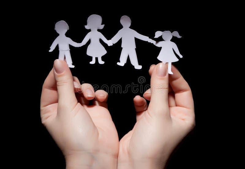 Famille à chaînes de papier images libres de droits