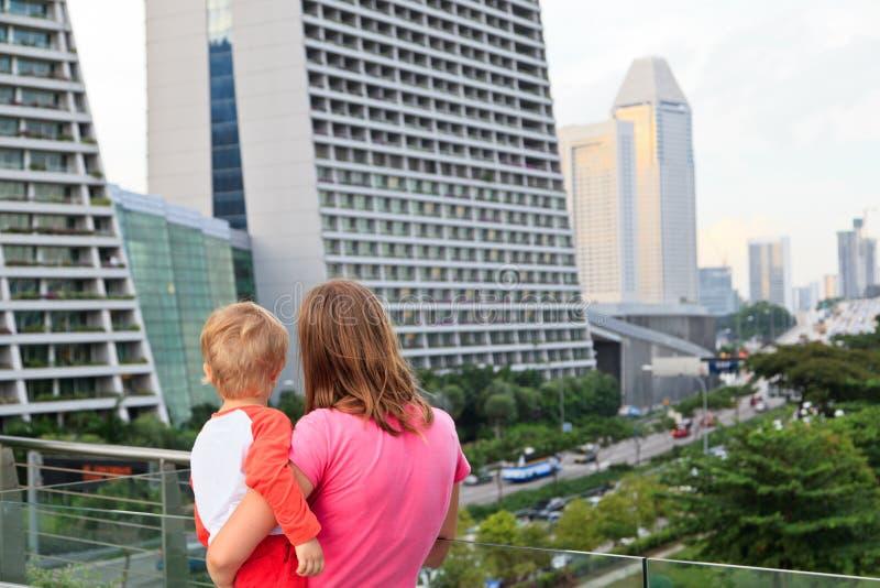 Famille à Singapour images libres de droits