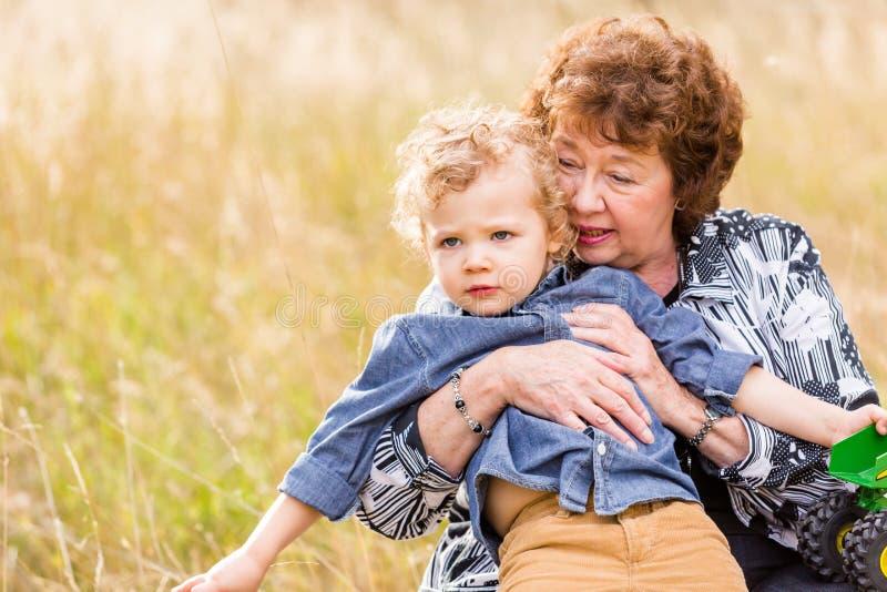 Download Famille photo stock. Image du étreindre, grand, hommes - 45356522