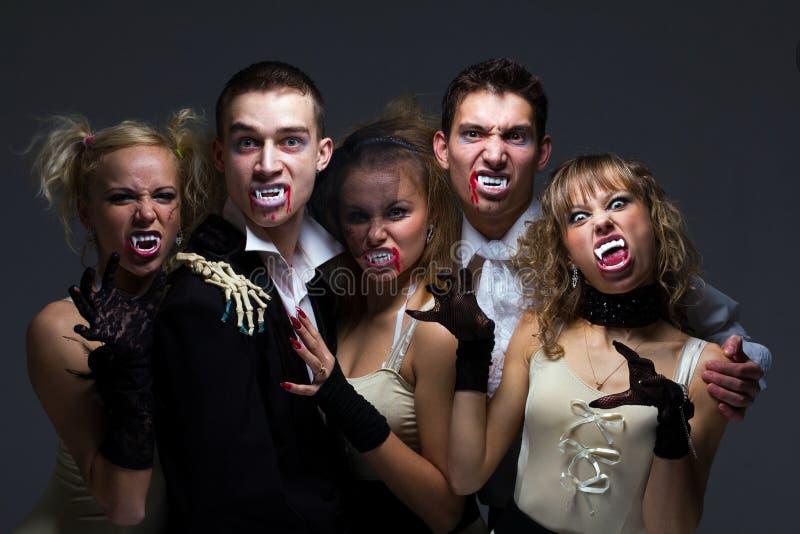 Famille affamé de vampire image stock