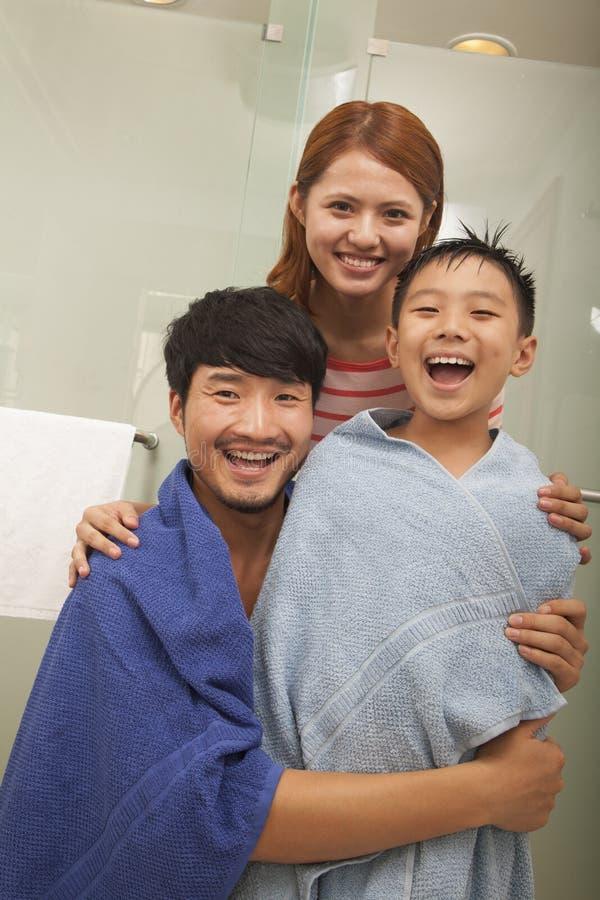 Famille après temps de Bath image stock