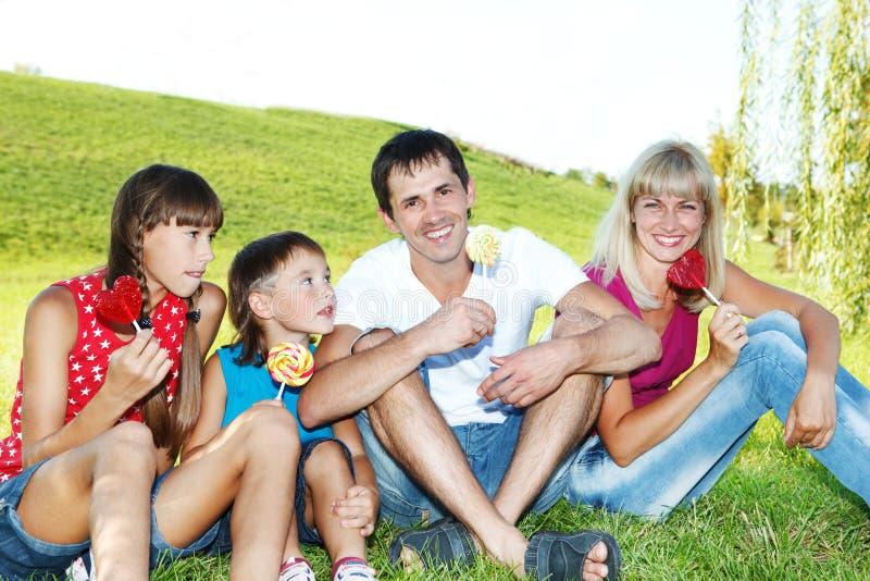 Famille avec des lucettes photographie stock