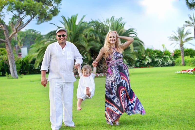 Famille avec la chéri photos libres de droits