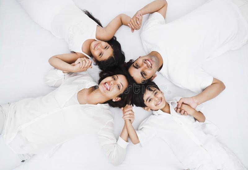 Famille ayant l'amusement photographie stock