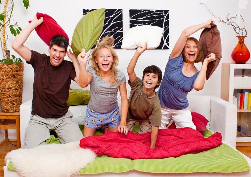 Famille-cour de jeu 03 photos stock