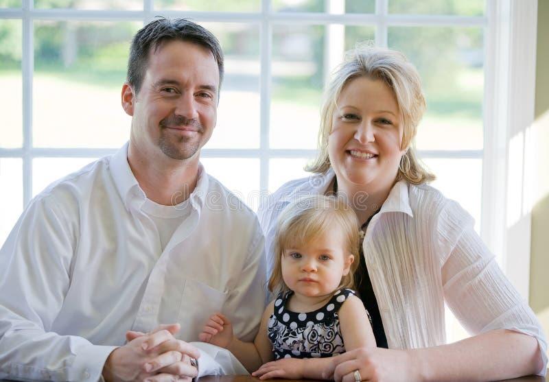 Famille Dans Leur Maison Photos stock