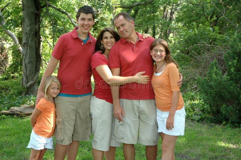 Famille de cinq images libres de droits