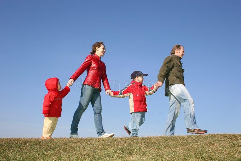 Download Famille de four2 photo stock. Image du femelle, automne - 2142998